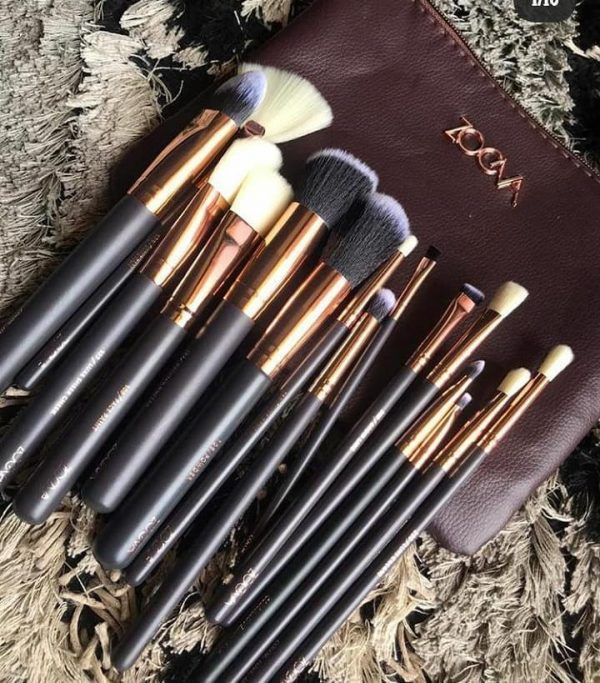 Full face and eyes makeup brush set with pouch